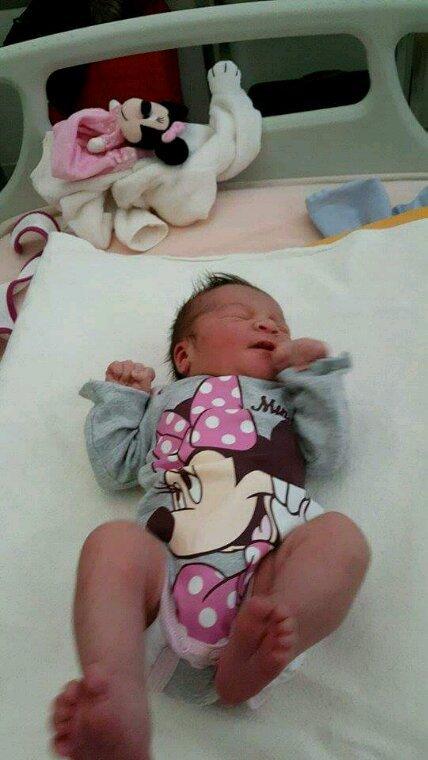 Voici ma p'tite fille lena venu au monde le 24mars a 22h28