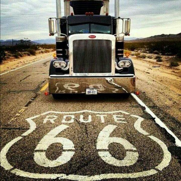 Les fans de camions, laissez vos traces ;).