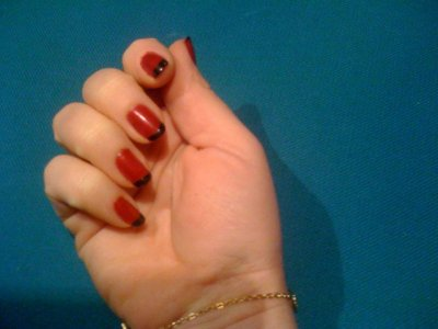 encore mes ongles french rouge et noire
