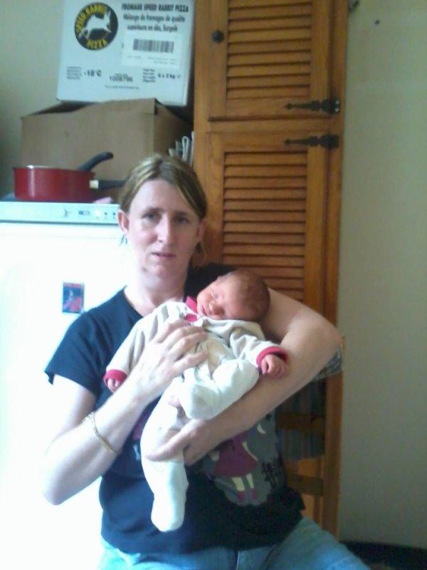 la marraine nathalie avec son filleul loucas