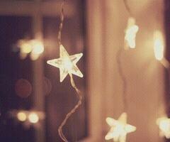 Car tu es cette étoile qui reste allumée quand il fait nuit noire.
