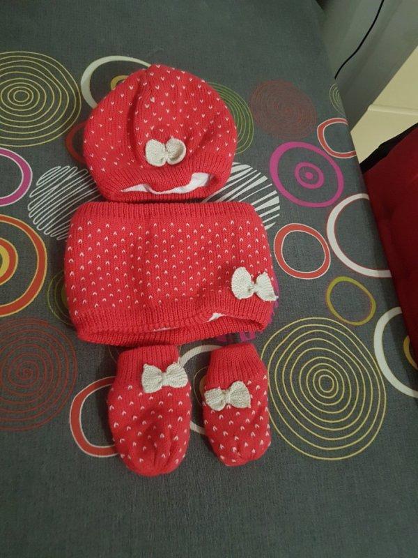 Bonnet echarppe et gants 6 mois