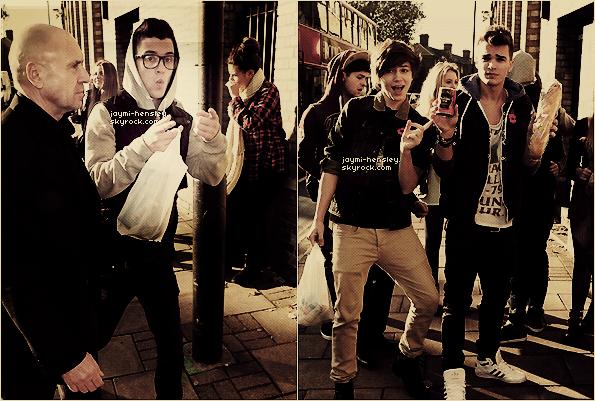 06/11/2012 - Today les gars ont été vu arrivant pour les répétitions d'xfactor.