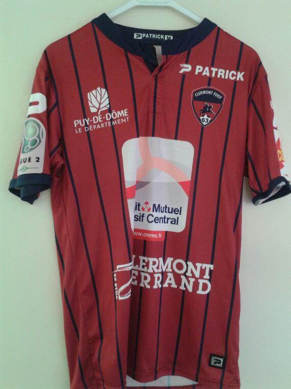 Maillot Clermont foot porté