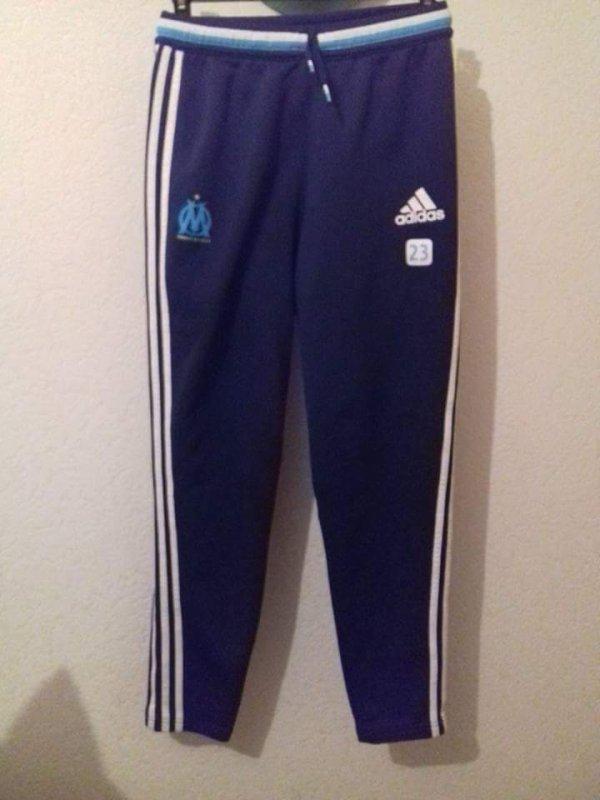 Pantalon d'entraînement om porté  (z.machach )