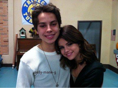 Selena a posté une photo d'elle et de Jake T austin,elle est juste sublime comme a son habitude (: