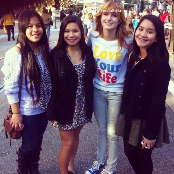 Photo de Bella avec des fans !