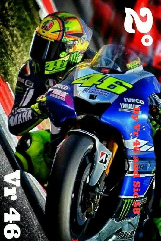 En mode moto gp avec mon chouchou Valentino Rossi ?