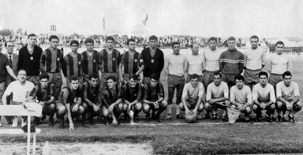 L'A.C.ARLES en match amical contre Barcelone (1963/1964)
