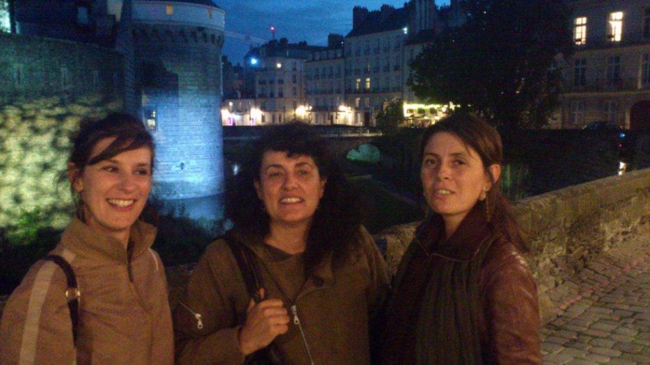 Avec Estelle; le premier soir, le Château by night