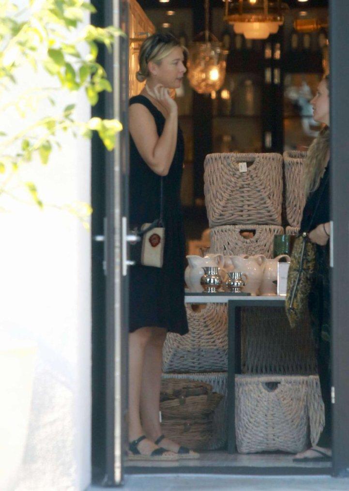 maria sharapova tête dehors et environ à Los Angeles