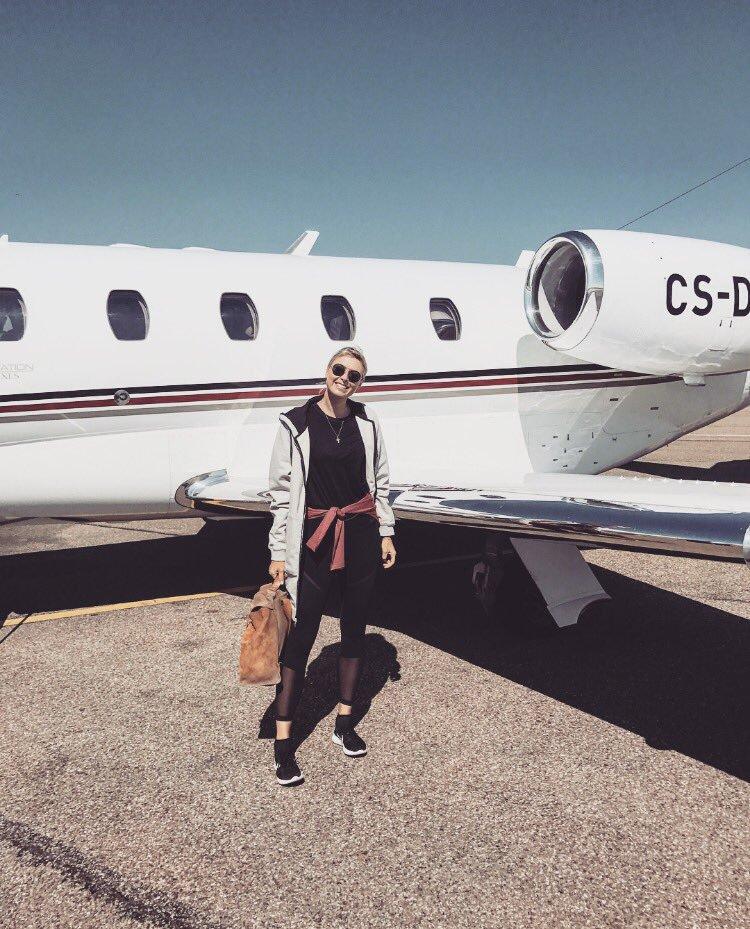 Maria Sharapova à l'aéroport de Stuttgart à Madrid