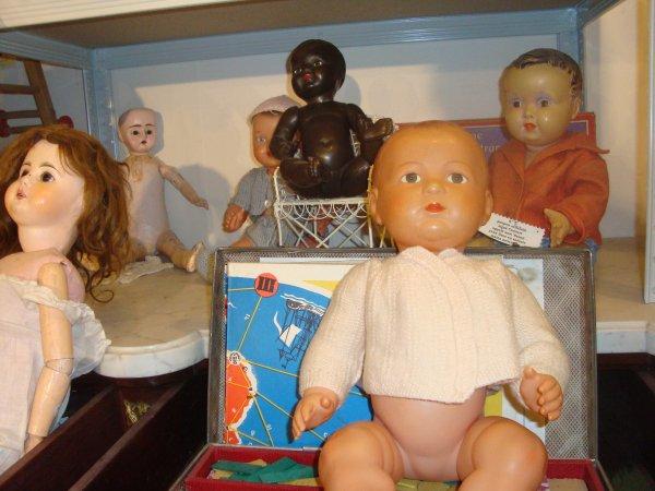 Quelques poupées du passé !   (suite)