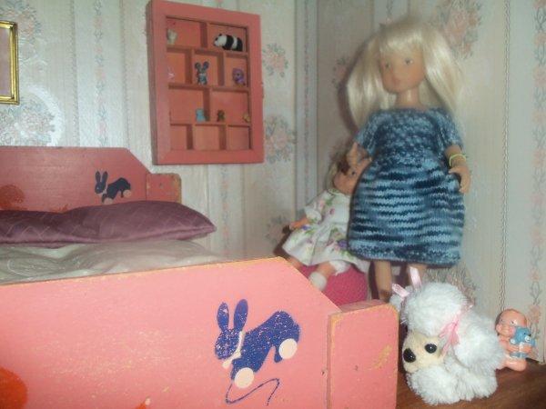 Une robe en laine