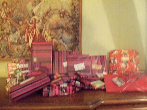 Ce soir distribution de cadeaux pour les grands et les petits !