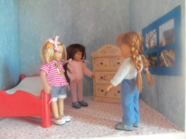 La nouvelle chambre de Gretchen, Finchen et Lottchen