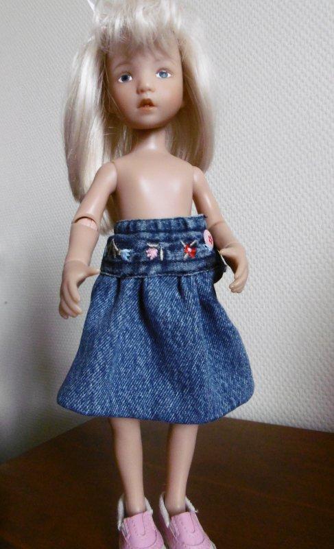 Une jupe en Jean pour Hailey !