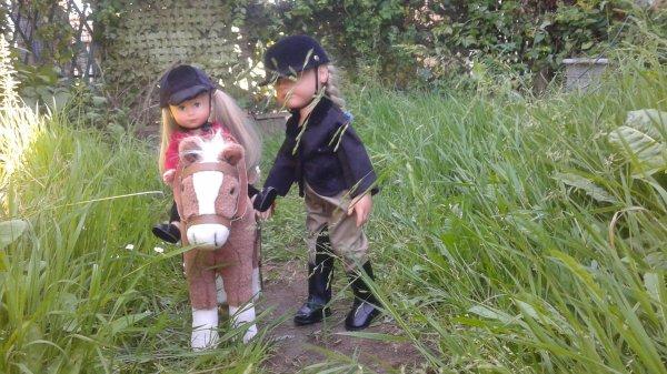 La famille Götz pratique l'équitation ...........