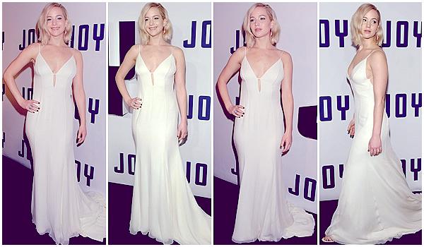 13/12/2015 :  Jennifer s'est rendue à l'avant première mondiale de son prochain film Joy à New-York City : L'événement avait lieu au Ziegfeld Theater. Pour l'occasion, Jen a posé avec Bradley Cooper et aussi Joy Mangano, la femme qui a inspiré le film.