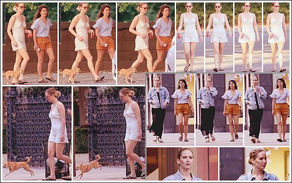 - • 15.06.17 ⅠJennifer Lawrence promenait son chien Pippi avec une amie dans « Central Park » dans New-York (US) : Un petit look nuisette assez léger pour Jennifer qui était avec son fidèle compagnon. La veille (14.06) elle et son amie quittait le restaurant Flora.