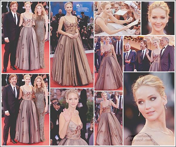 - • 05.09.17 l Jennifer Lawrence était à l'avant-première de son film  « Mother ! » au festival du film de Venice (IT) : Toujours avec ses co-stars et Darren, Jen resplendissait dans une super robe signée Dior. Je déplore le côté tout noir, mais cela reste un sublime top!