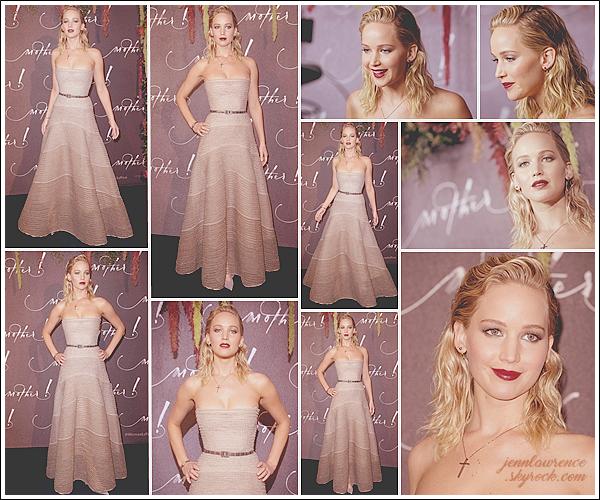 - • 07.09.17 l Jennifer Lawrence était présente à l'avant-première de son prochain film  « Mother ! » dans Paris (FR) : Je suis un peu mitigée sur sa robe signée Dior, j'aime la forme mais pas la matière ... Le make-up quant à lui est magnifique ! Un petit bof, des avis ?