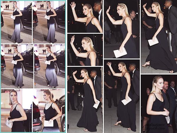 - • 28.09.18 l Jennifer Lawrence s'est rendue à l'avant-première du film « The Favourite » organisée à New-York (US) : Elle était venue soutenir son amie Emma Stone. Pas de photos sur tapis rouge, mais elle a été aperçue quittant son appartement et arrivant sur les lieux.