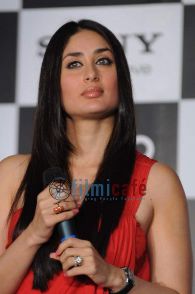 kareena kapoor sony vaio press conference