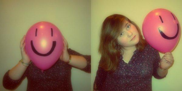 Dans ce monde de désespoir,il y a toujours quelque chose qui nous fais sourire.(l)