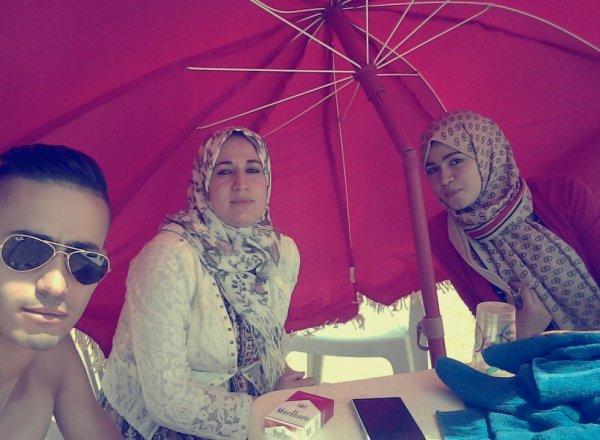 Avec une petite soeur et grande soeur