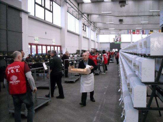 Met de groeten vanuit Reggio Emilia !  (Johan Van der Maelen) nov. 2012