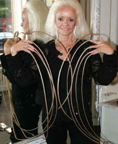 les ongles les plus long du monde !