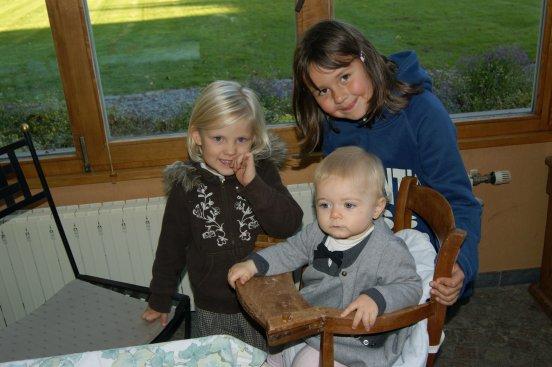 annif de ma choupette avec ses cousines :-)