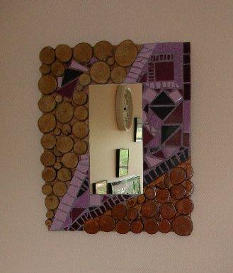 Bois et mosaïque pour ce miroir