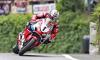 John Mc Guiness sur Honda 1000 CBR HRC, roi du TT ....