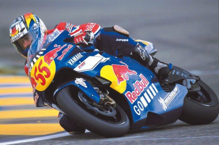Régis Laconi remporte le GP500 de Valence 1999....