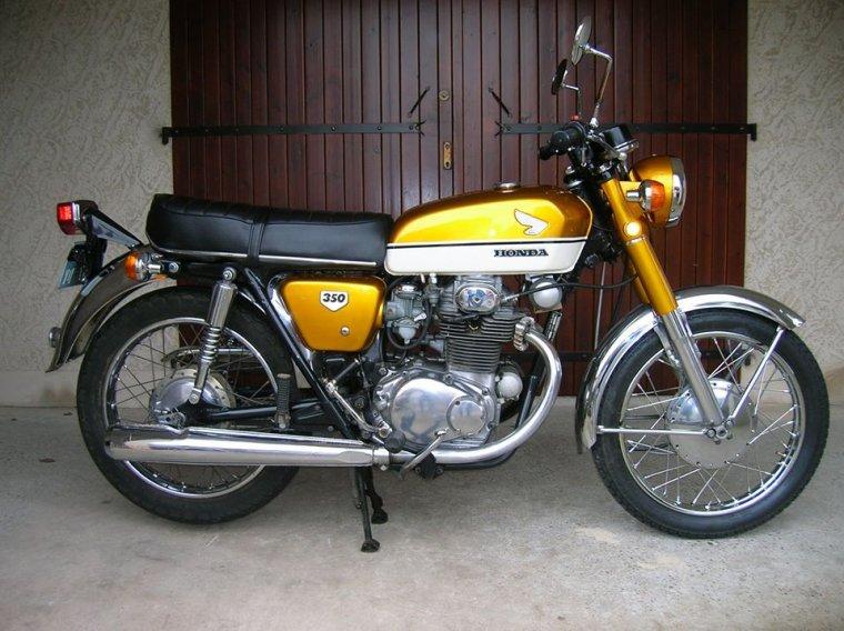 Honda 350 CB -K2 de 1972 à 1974....