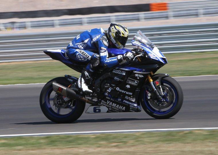 Corentin en Argentine sur Yamaha R6 du GMT94....