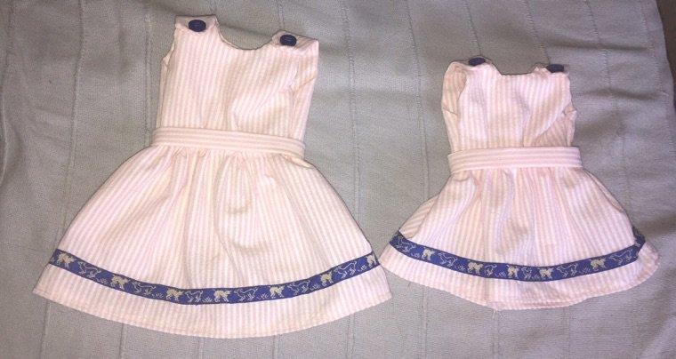 Une petite robe en deux exemplaires ... !