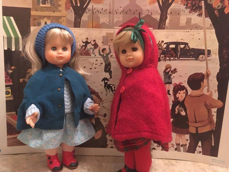 Un petit chaperon rouge et un petit chaperon bleu !