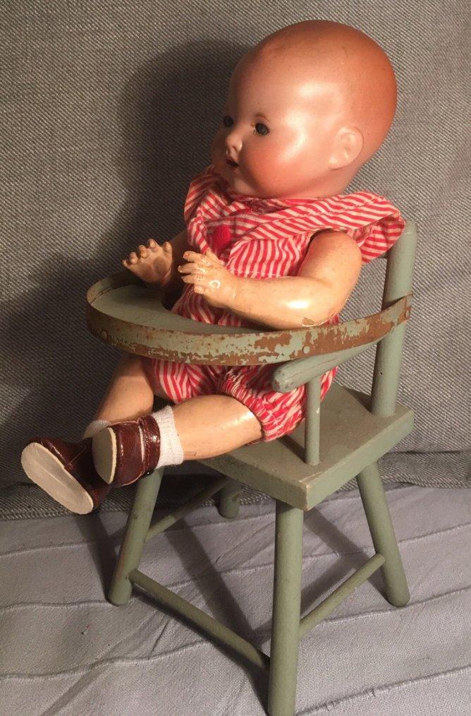 Pour qui la petite chaise ??!!