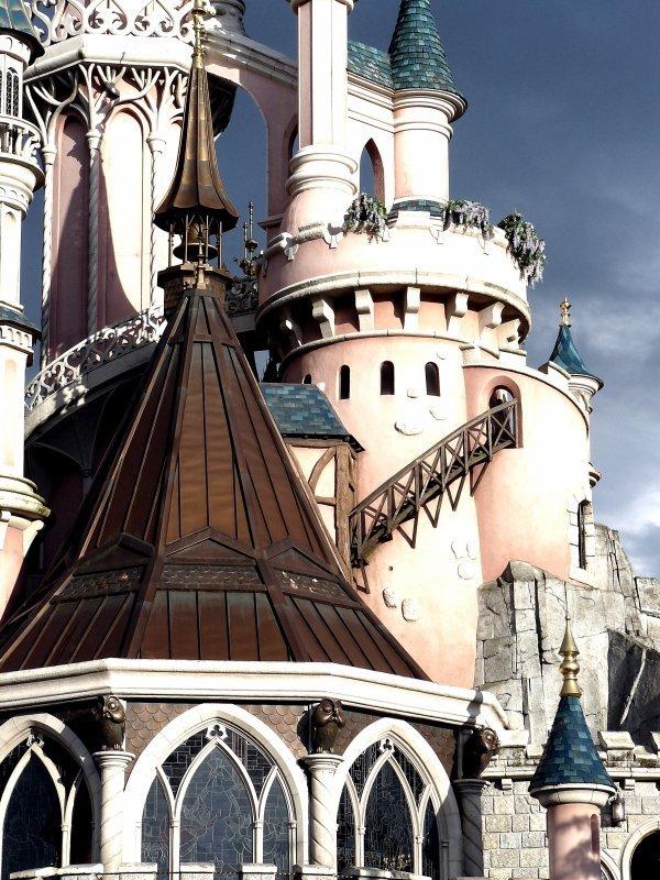 EURODISNEY  Le chateau de la belle au bois dormant