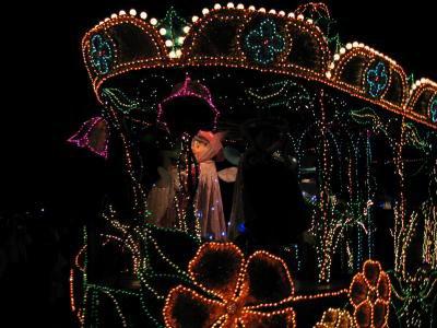 EURODISNEY  quelques chars de la parade de nuit...Magnifique !