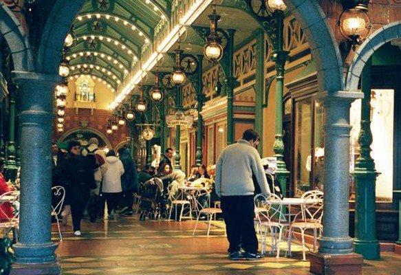 Main street - la rue et des magasins