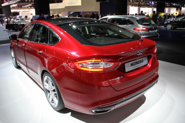 UN P'TIT TOUR AU SALON 2012 / FORD MONDEO