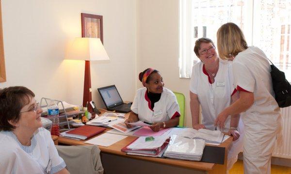 HOMMAGE AU PERSONNEL SOIGNANT- Vidéo  Infirmière,  infirmier