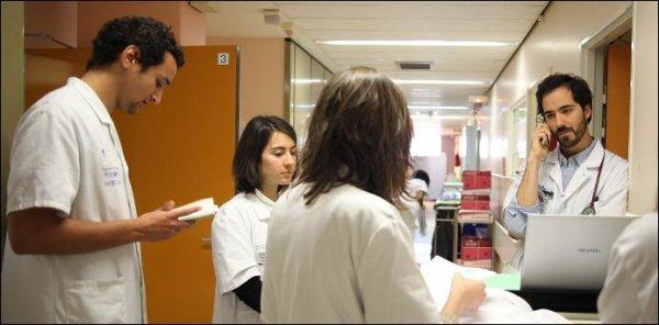 HOMMAGE AU PERSONNEL SOIGNANT-  Vidéo   24 heures dans une unité de soins