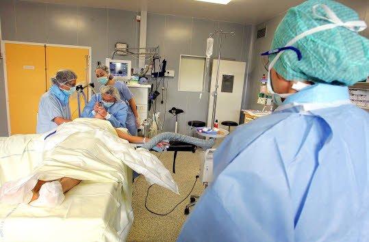 HOMMAGE AU PERSONNEL SOIGNANT  - Vidéo Infirmière en bloc opératoire