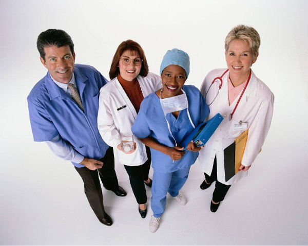 HOMMAGE AU PERSONNEL SOIGNANT- Vidéo  Témoignage métier d'une aide-soignante