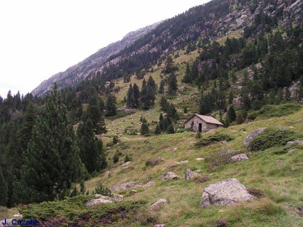 RANDONNEES PYRENEENNES - des cabannes et refuges